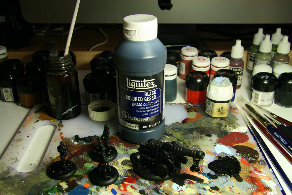 Undercoating miniatures using Gesso